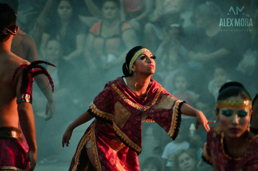 Puerto Vallarta Danza artística en los arcos