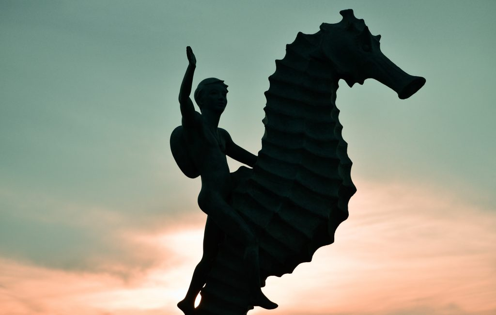Puerto Vallarta México (sculpture, people, art, dance)